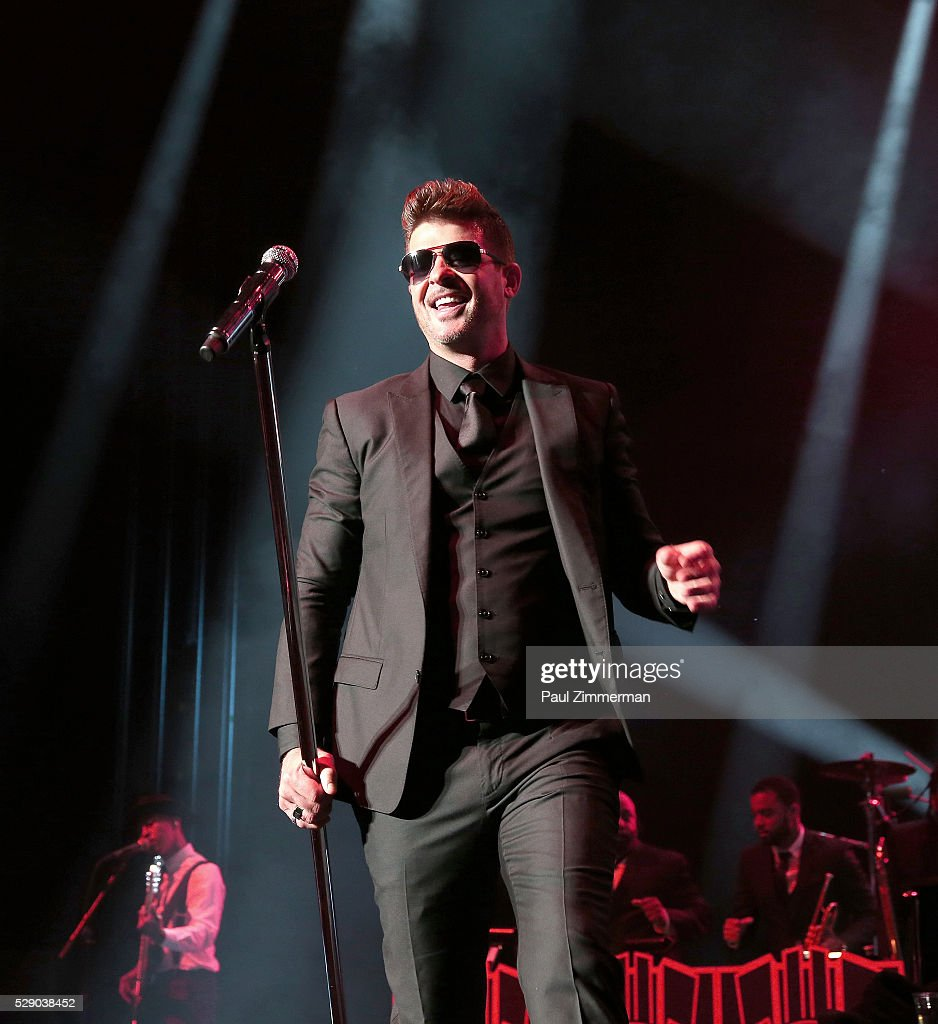 M&M'S Presents GRAMMY Park Featuring Robin Thicke & Aloe ...