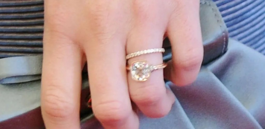 Leighton Meester Engagement Ring Pictures From Adam Brody Celebrity Weddings Glamour