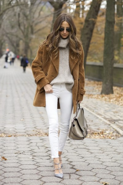 10 Ways to Wear White Jeans All Winter Long   Glamour winter white jeans something navy