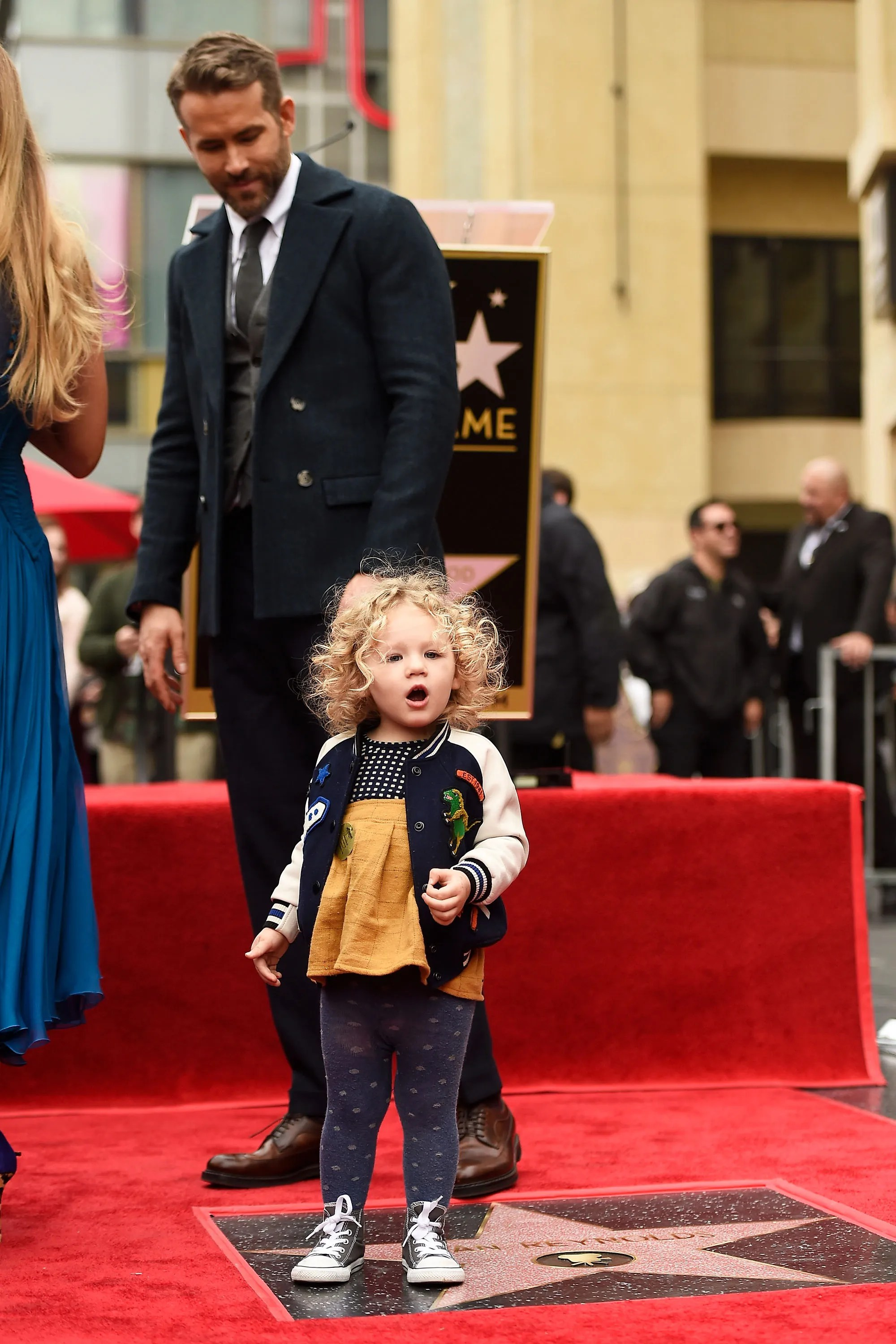 18 Photos of Blake Lively and Ryan Reynolds' Adorable ...