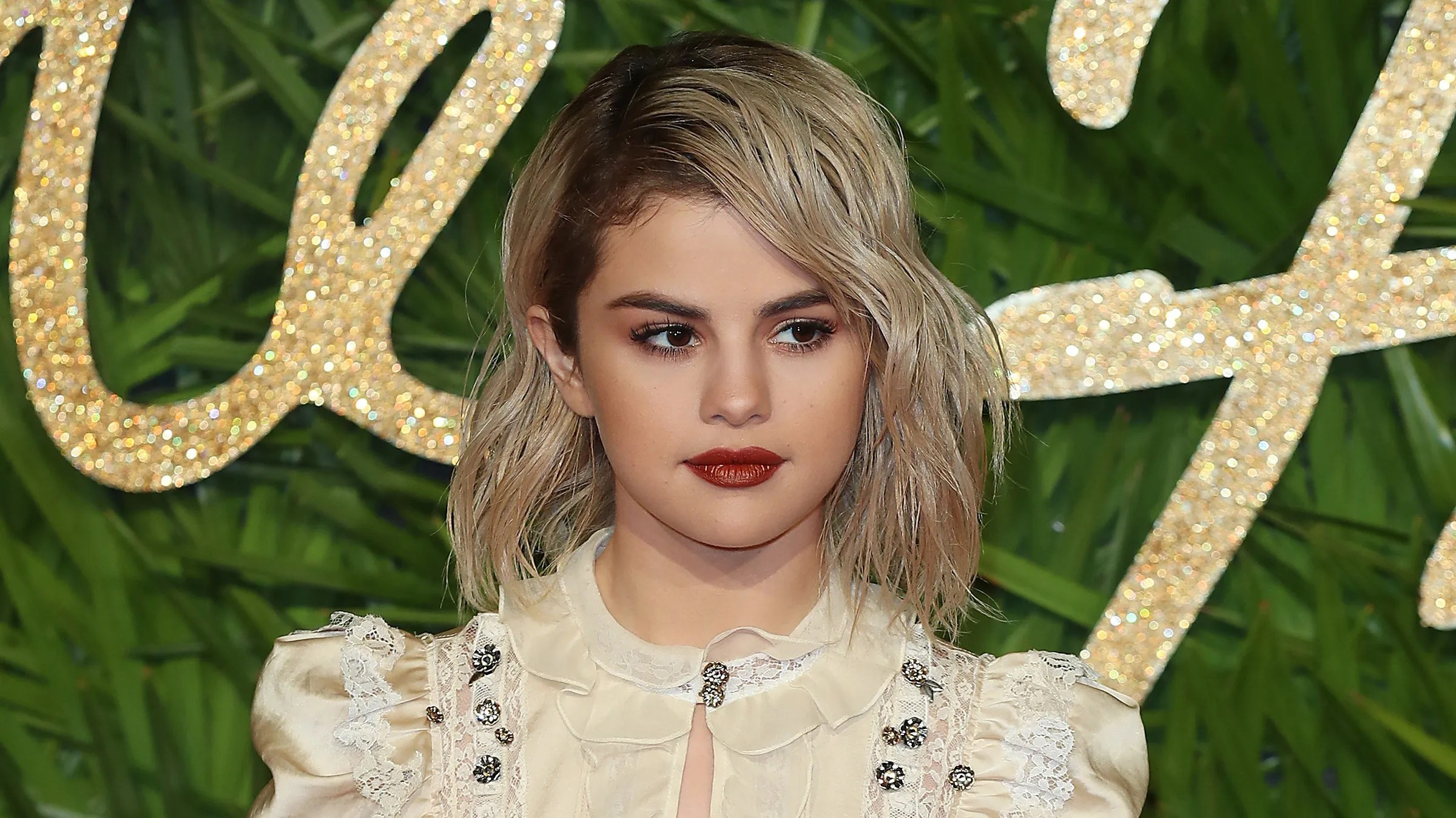 Selena Gomez Puts Instagram on Private After Posting and ...