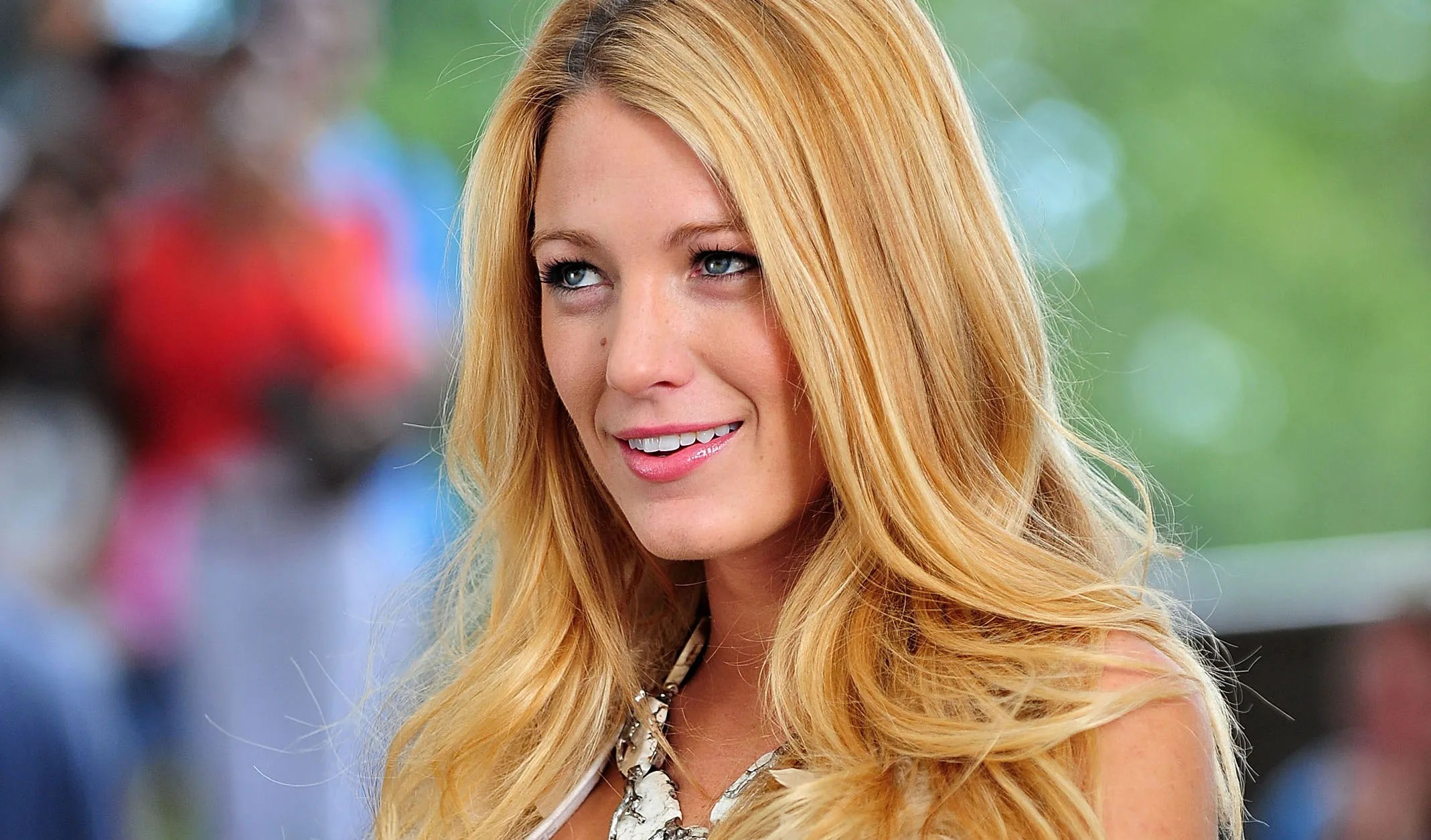 blake lively net worth - HD 2137×1255