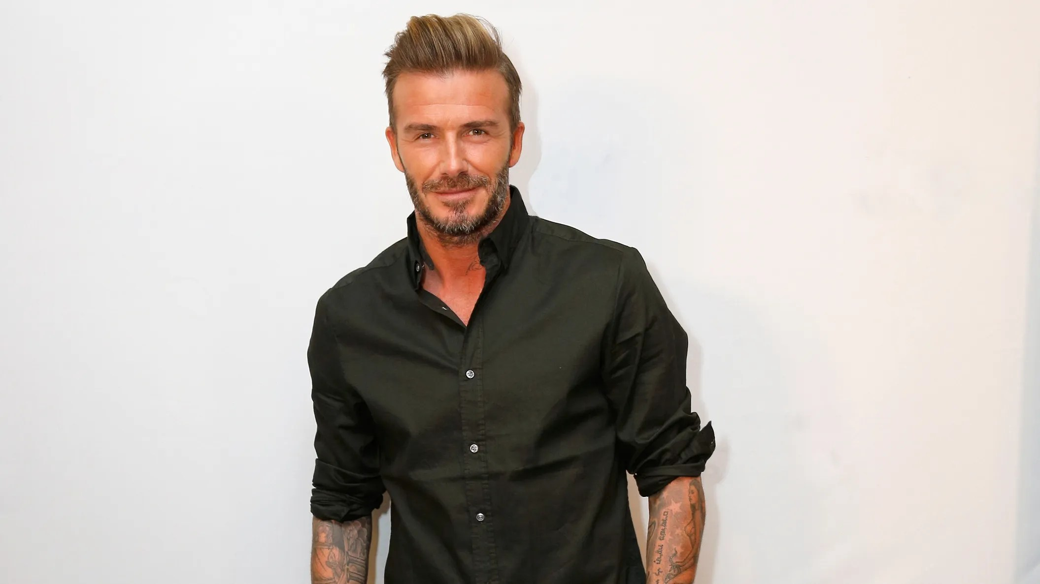 David Beckham Shows You The Right Way To Show Off Your ...