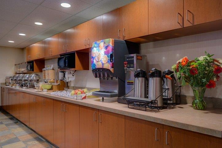 Service Plus Inns Amp Suites Calgary Ab See Discounts