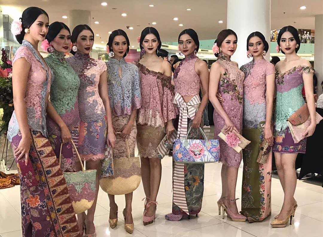 Kebaya Www Pixshark Com Images Galleries With A Bite
