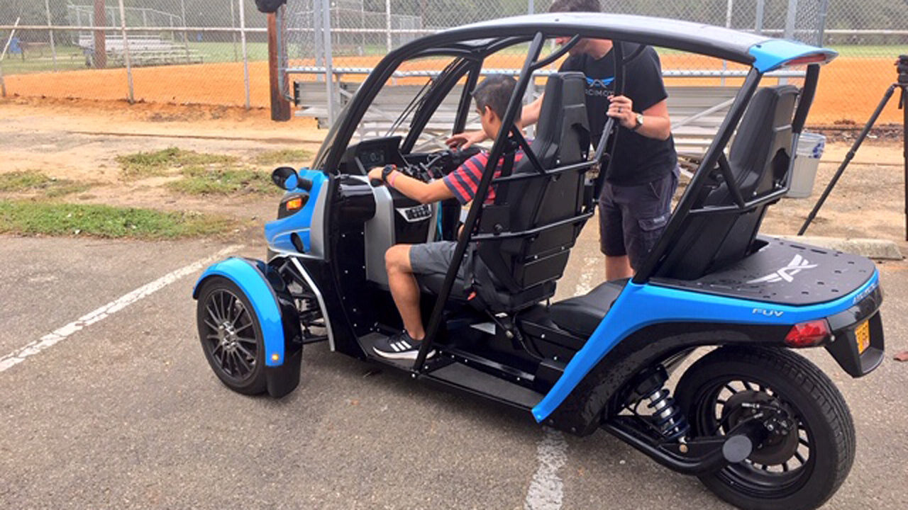 Fun Utility Vehicle 3 Wheel All Electric Vehicle New Form