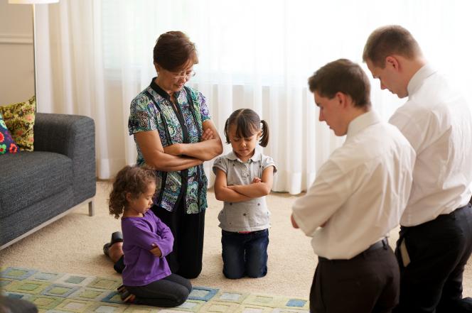 Missionaries Pray