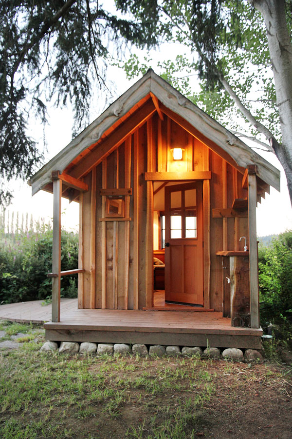 Small Cottage Living