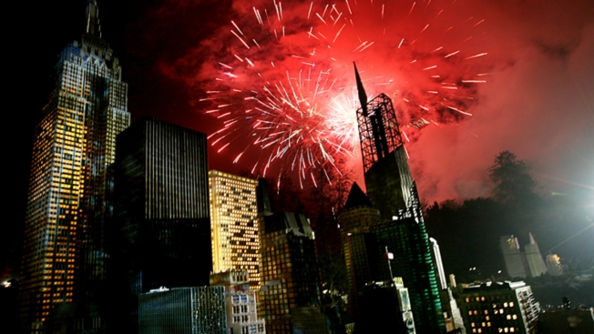 Best Places to Watch the New Year s Eve Fireworks   NBC New York Best Places to Watch the New Year s Eve Fireworks