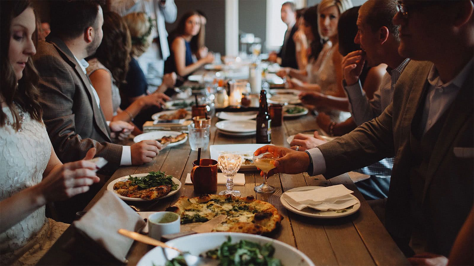 A Guide To Splitting The Dinner Bill With Friends Northwestern Mutual