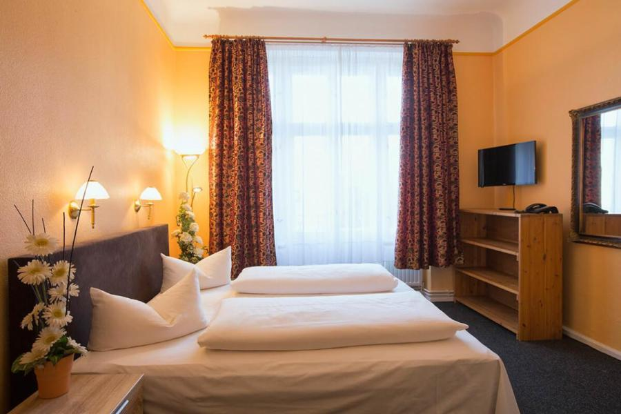 Berlin Wedding  Pensionen   Hotels        Unterk    nfte ab 22     Am Hermannplatz