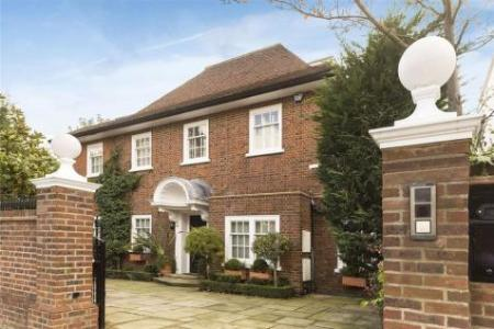 4 Bedroom Houses For Sale in Swiss Cottage  North West London     Property Image 1