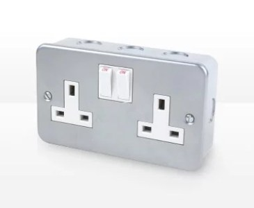 Wiring Accessories   Electrical   Lighting   Screwfix com Metal Clad Switches   Sockets