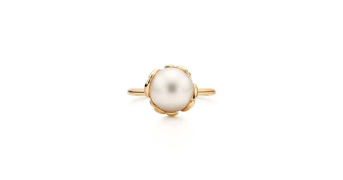 Paloma Picasso 174 Olive Leaf Ring In 18k Gold With A Freshwater Cultured Pearl Tiffany Amp Co
