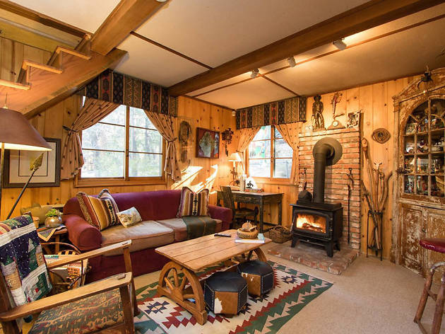 15 Cozy Cabins On Airbnb To Spend Winter Cocooned In