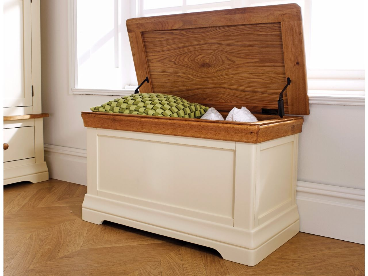 Farmhouse Cream Painted Storage Oak Blanket Box Free