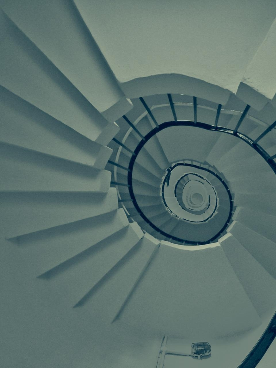 How To Build A Spiral Staircase | 36 Inch Spiral Staircase | Stair Case | Steel | Steps | Tread Depth | Handrail