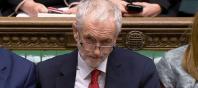 Jeremy Corbyn presenta una moción de censura contra May por aplazar la votación del Brexit
