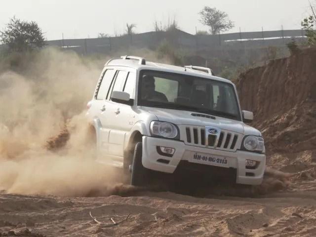 Mahindra Scorpio 2 2 Mhawk Vlx 4x4 Zigwheels First Drive