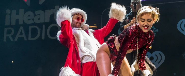 Miley Cyrus Twerking Santa Claus