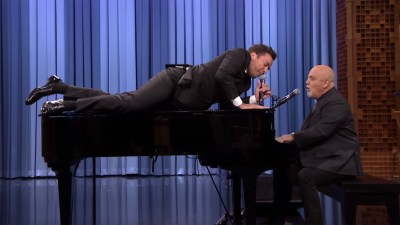 Jimmy Fallon, Billy Joel give an epic performance of ...