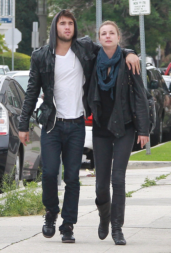 revenge emily and daniel dating in real life