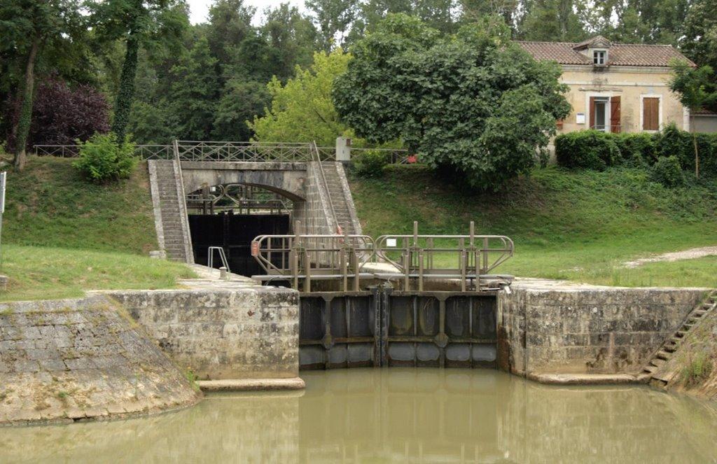 Canal De Garona Canal Lateral Del Garona