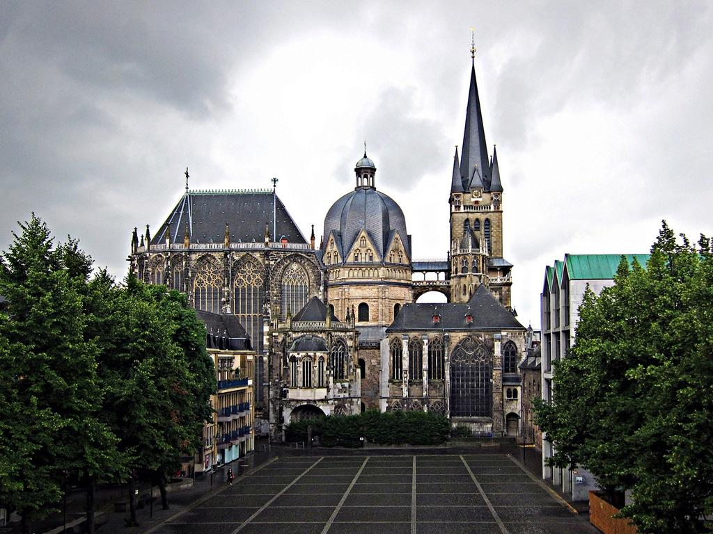 Catedral De Aquisgr 225 N Megaconstrucciones Extreme