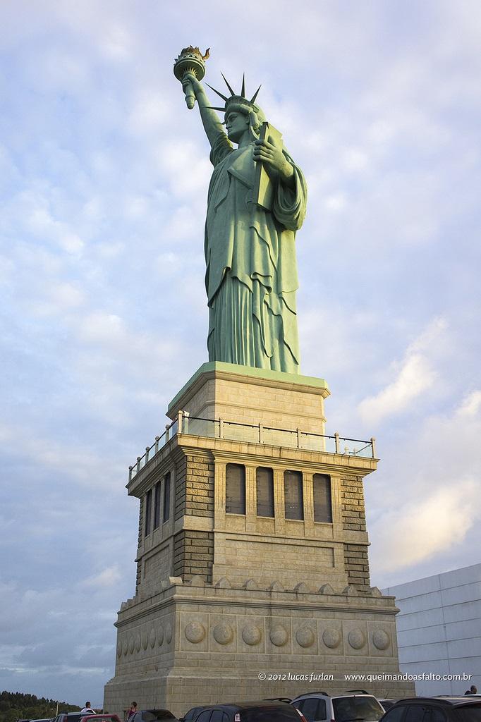 Estatua De La Libertad En Parada Havan