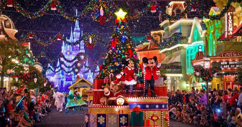 Walt Disney World Christmas.6 Ways To Enjoy The 2018 Holidays At Walt Disney World