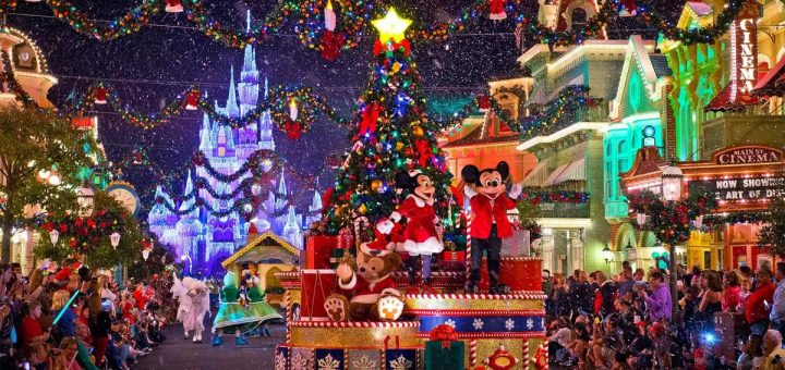 Very Merry Christmas.Where To Find Your Favorite Characters At Mickey S Very