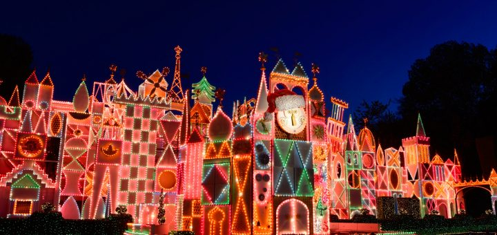 Disneyland Christmas.Disneyland Resort Will Celebrate The Holidays From November