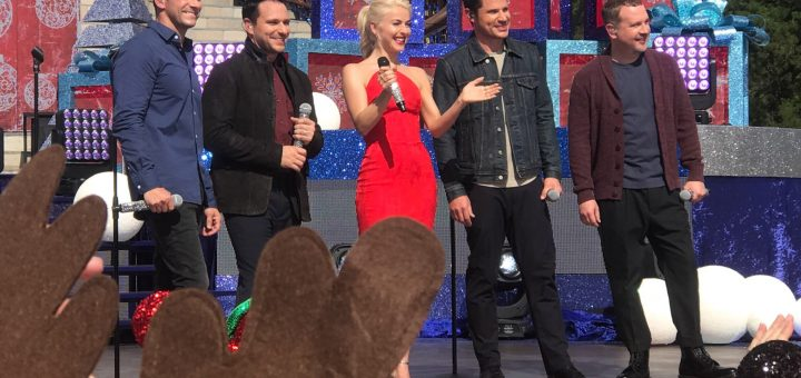 Disney Christmas Parade Taping 2019.Abc S 2018 Holiday Specials Filming Scheduled For Disney