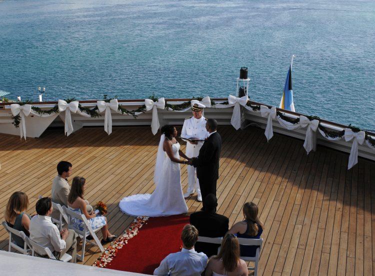 Disney Cruise Wedding.Say I Do With Disney S Fairy Tale Weddings Honeymoons On Disney
