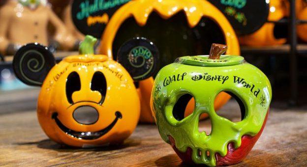 Halloween Disney 2019 Date.Frightfully Fun Halloween Personalization Now Disney Springs