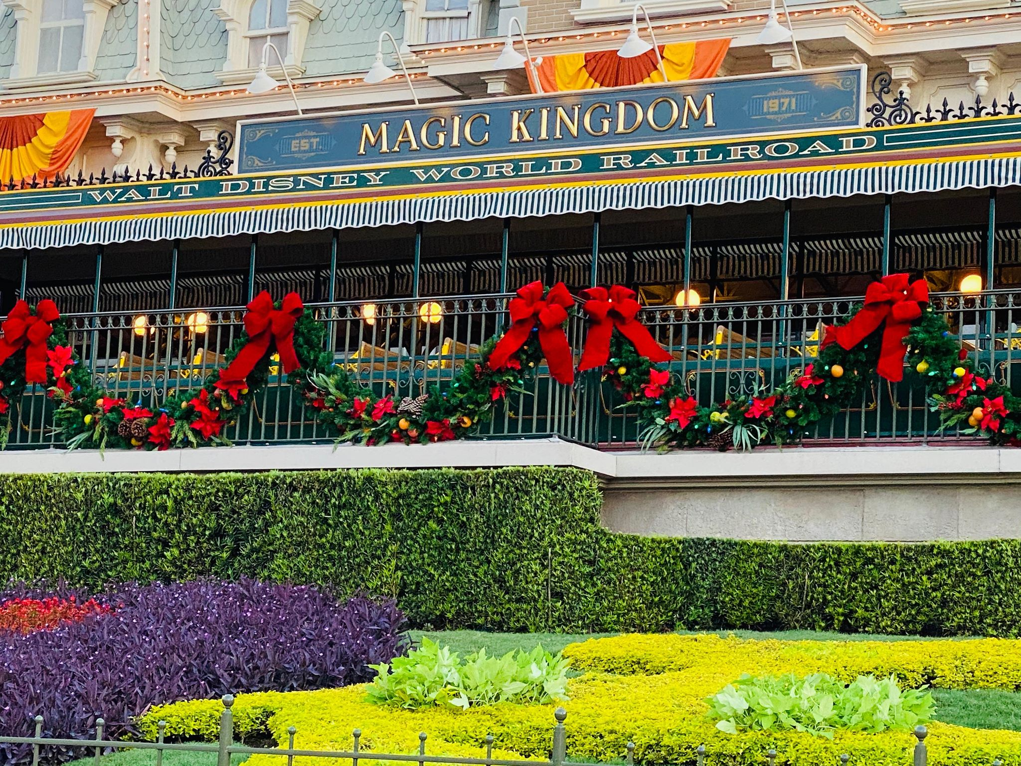 Magic Kingdom Hours December