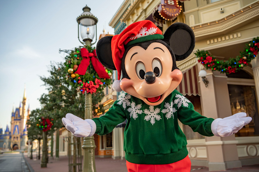 Disney World holiday hours