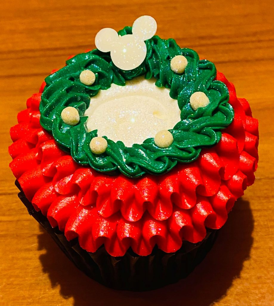 Holiday Cupcake Polynesian