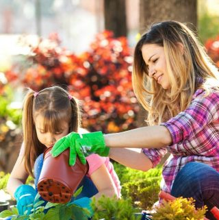 Benefits to gardening with kids