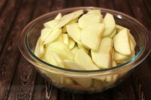 Sliced Apples for Homemade Apple Pie Filling Recipe