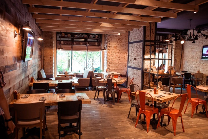 Trendy Restaurant Interior Design Is at the Junction of Industrial     Industrial Rustic Bar