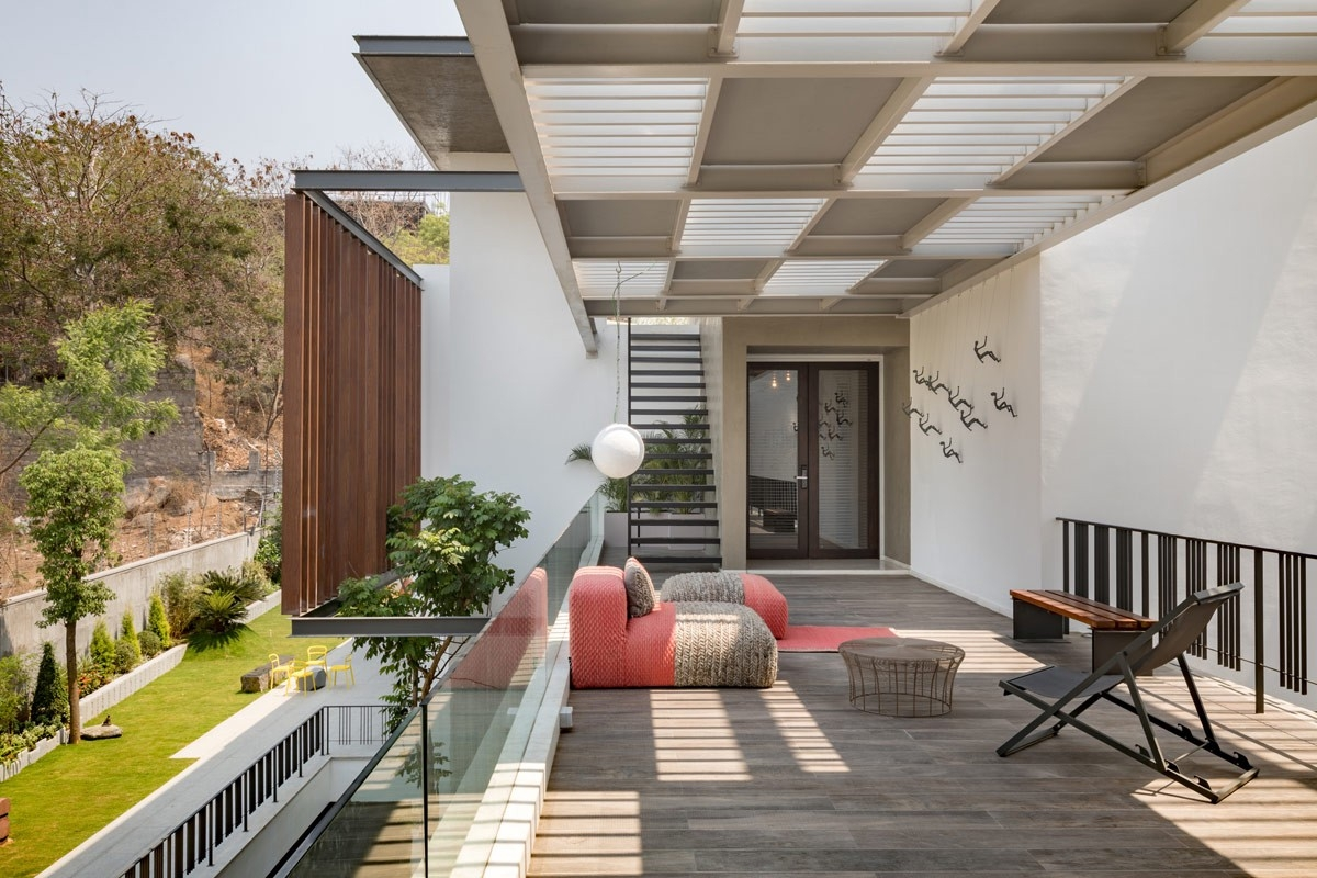 Courtyard An Architectural Element Of Design By Vinita Mathur   Outside Stairs Design For Indian Houses   Family House   Metal   Creative   Middle House   Amazing