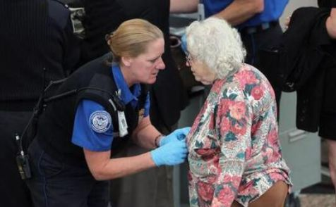 胖编怪聊:有一种大保健叫做——美国安检