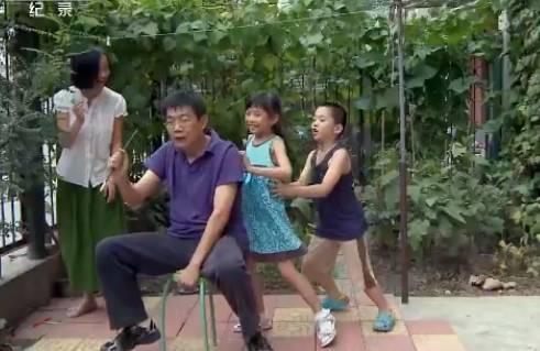 好文171007:他们花10年跟拍5个孩子,巨大的反差,值得每个父母深思!