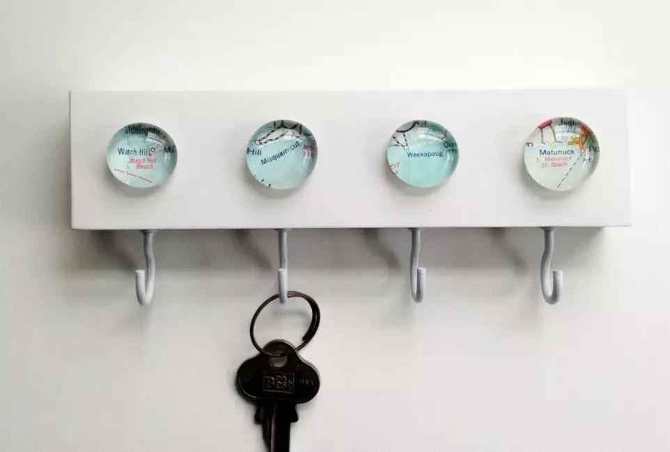 이러한 키는 자기학의 도움으로 수행 할 수 있습니다.
