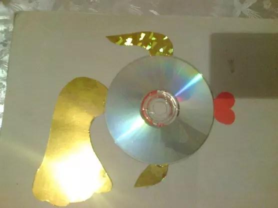Қолөнердің керемет идеялары (95 + фотосуреттер) - 11 жарқын қарапайым қадамдық шеберлік сыныптары: мақта және компьютер дискілерінің екінші өмірі