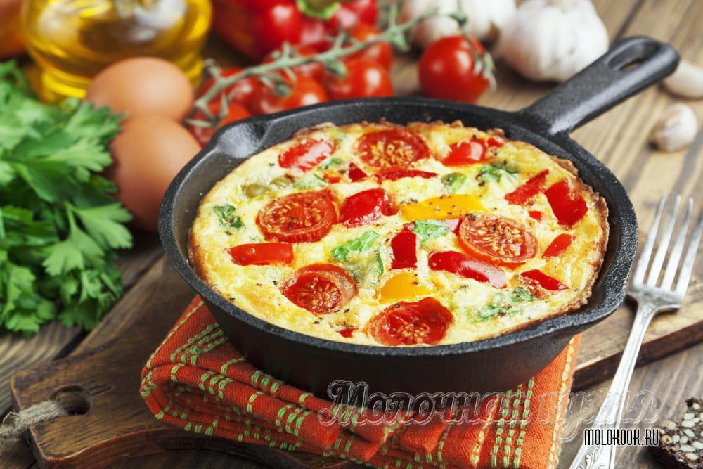 Omelete no leite em uma frigideira
