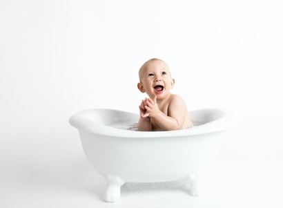 How to bathe a newborn?