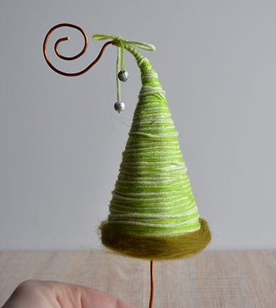 Рождество ағашының түбін безендіріңіз