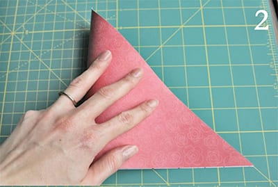 Chúng tôi gấp một hình tam giác